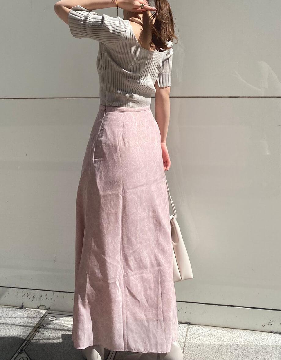Knit and skirt set 14,500yen+tax   Bag 7,000yen+tax   Shoes 13,000yen+tax