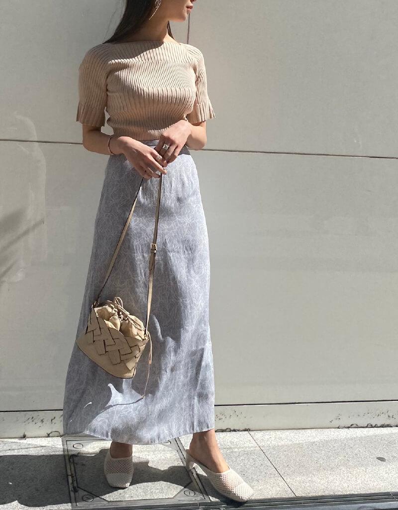 Knit and skirt set 14,500yen+tax   Bag 12,500yen+tax   Shoes 11,000yen+tax