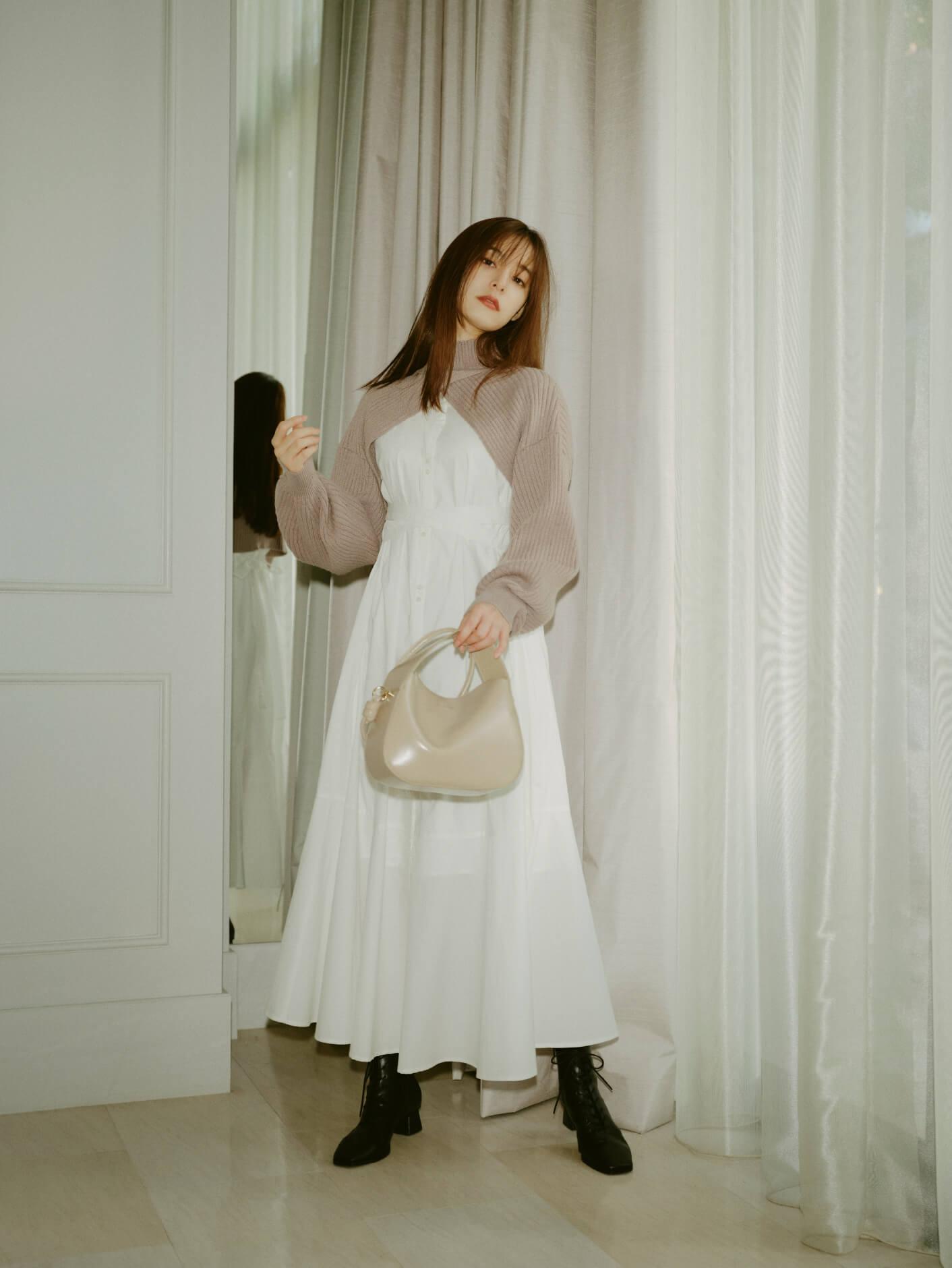 Dress 17,930yen , Bag 11,550yen , Shoes 15,950yen