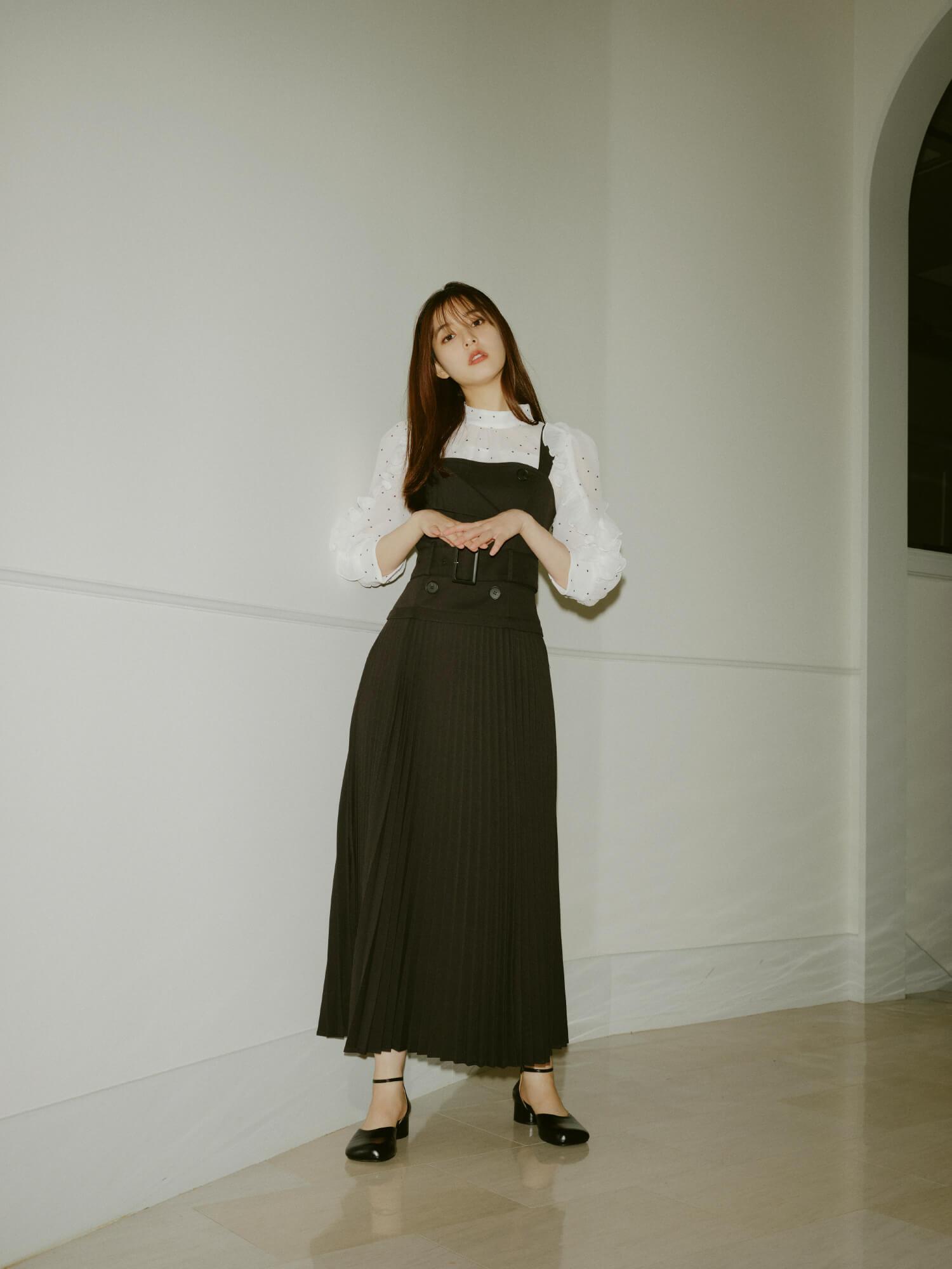Dress 16,940yen , Blouse 11,550yen , Shoes 13,750yen